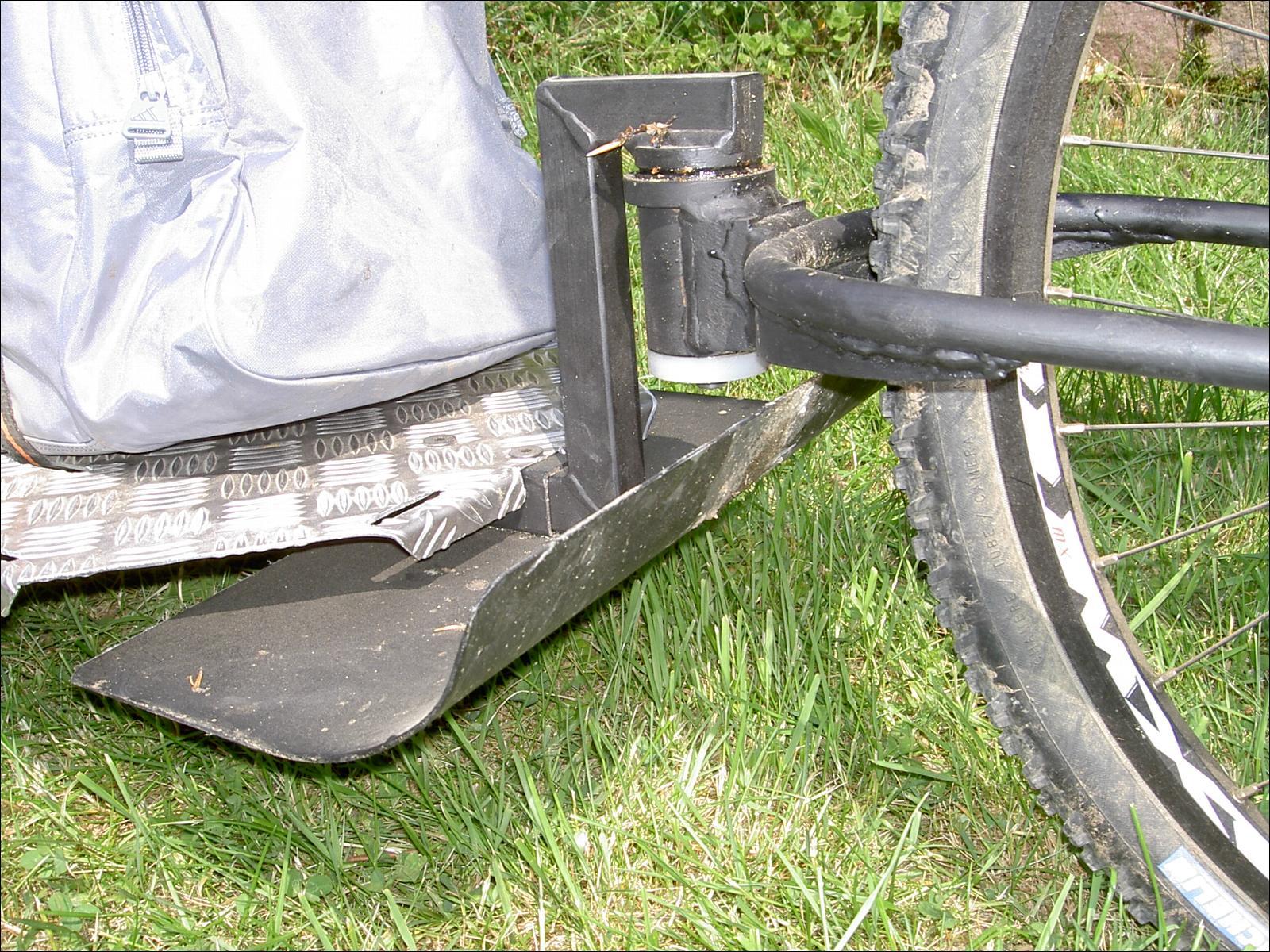 Remorque artisanale mono roue - Comment fabriquer une porte en acier ...