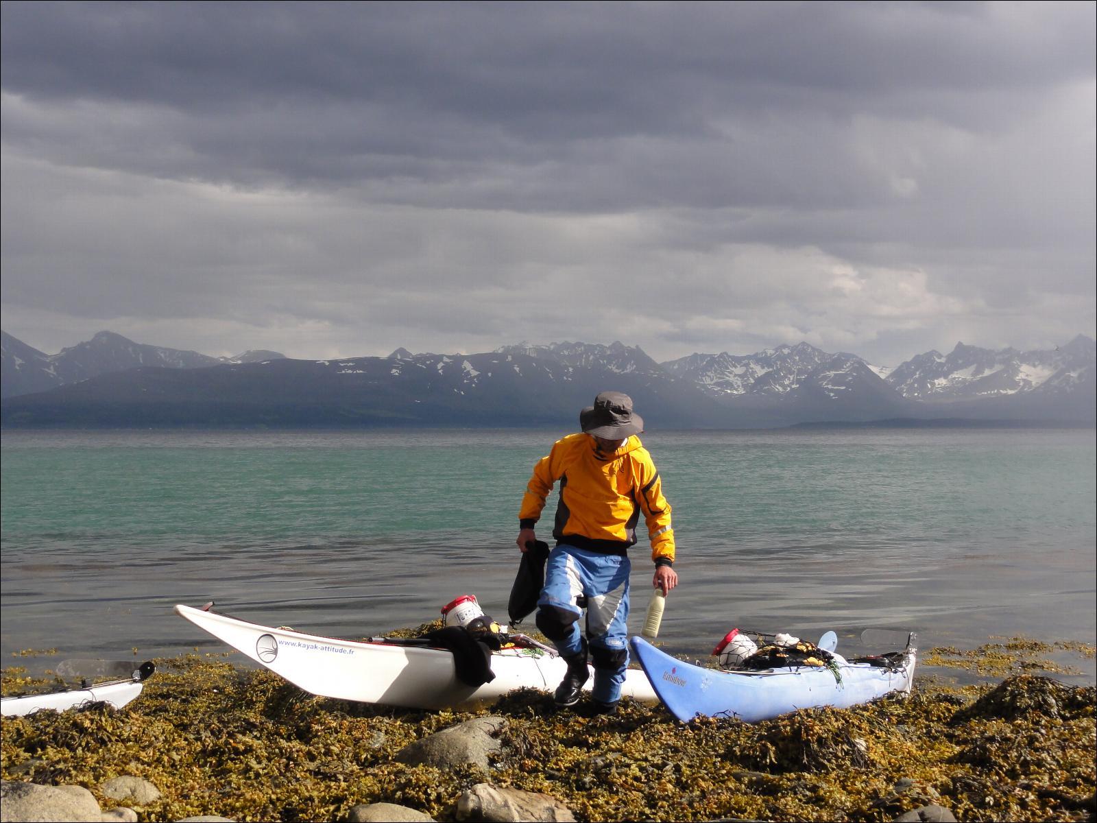 vetements kayak