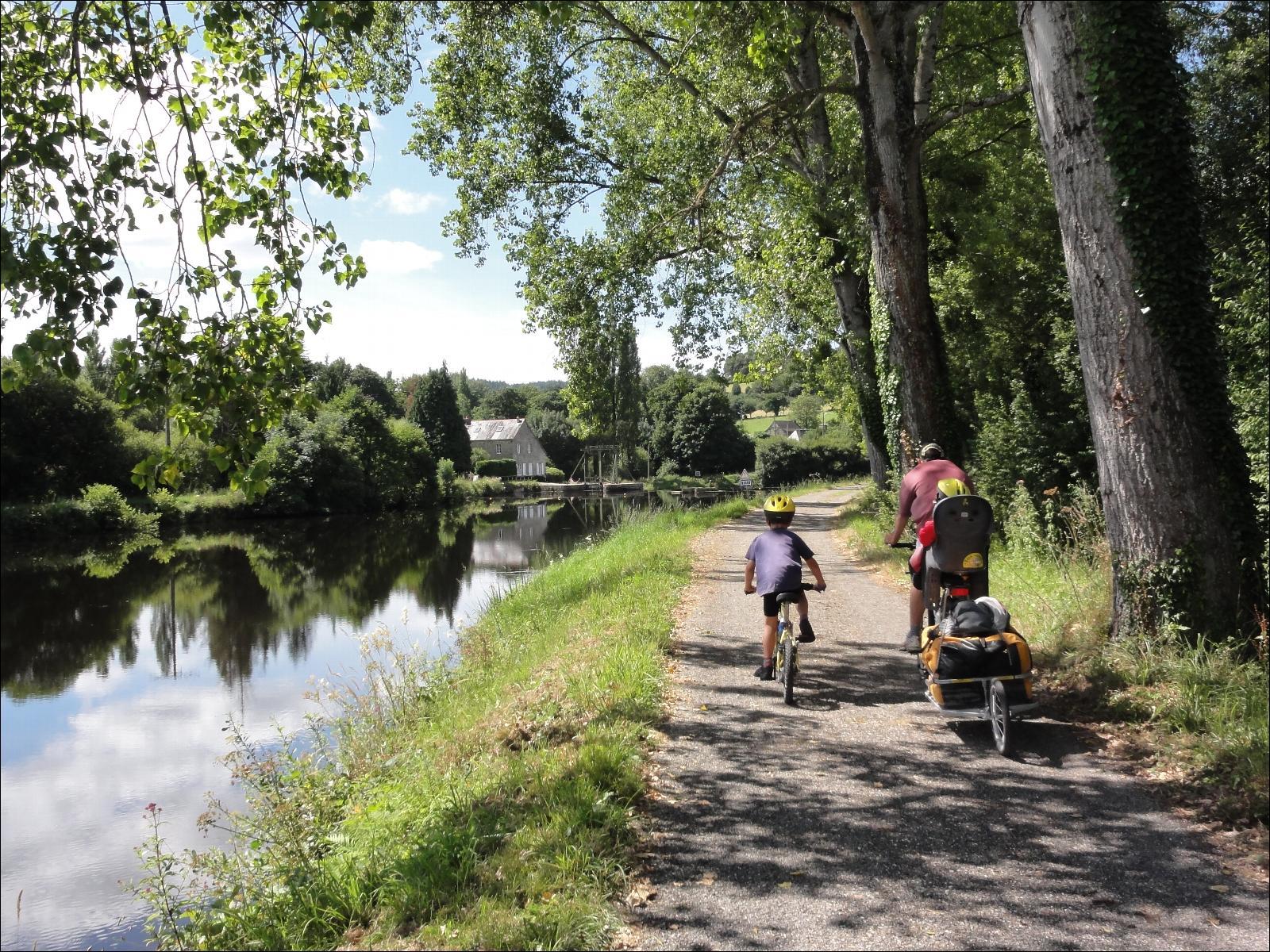 Souvent Canal de Nantes à Brest à vélo en famille EI01