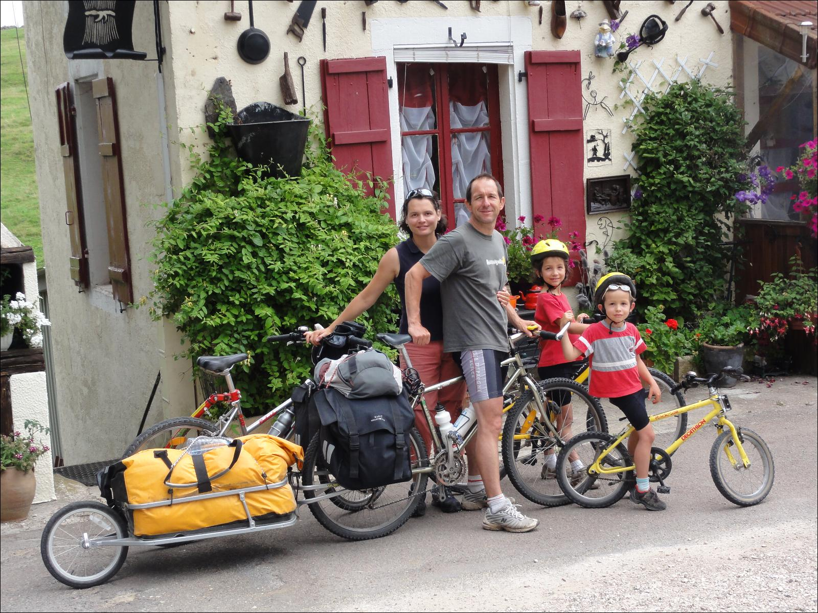 Canal de bourgogne v lo en famille for Velo interieur decathlon