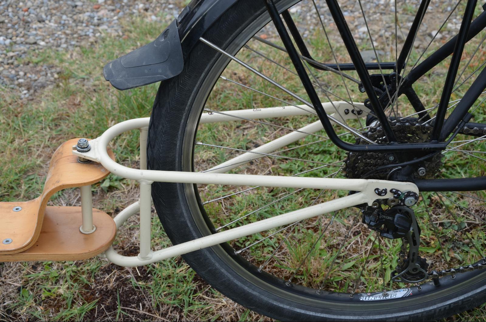 Test de la remorque à vélo BeeZ
