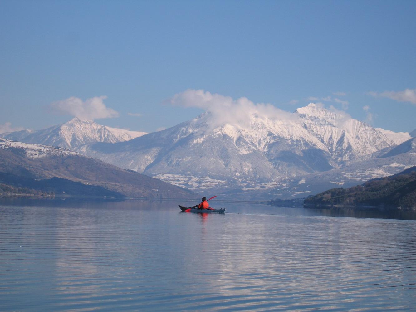 Lac Serre Poncon : Kayak sur le lac de serre ponçon