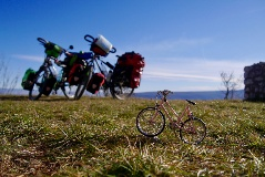 small-world-on-a-bike-cyclo-grimpeurs-sans-date-de-retour