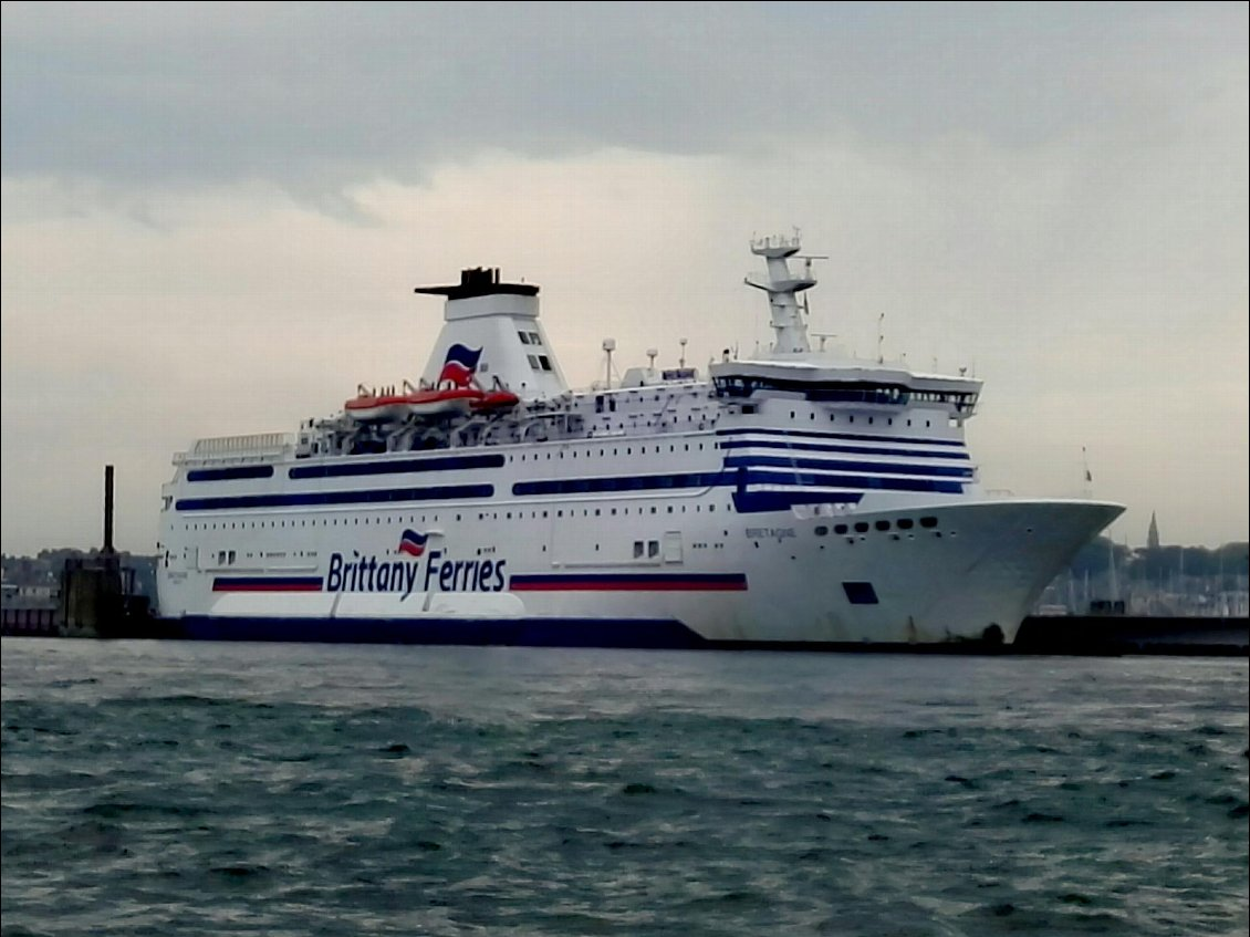 "Brittany Ferries. ""Le Bretagne"""