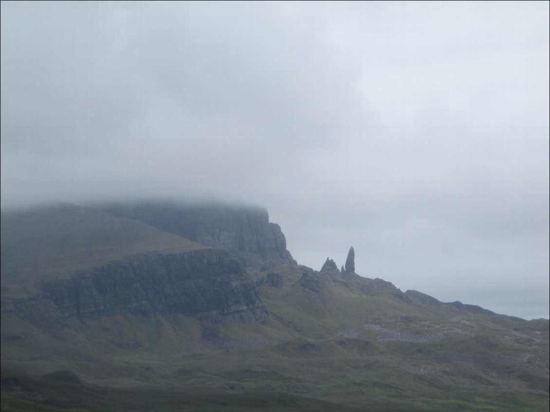 "J'approche de ""Old Man of Storr""."